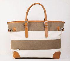 落ち着いたボーダー柄のキャンパストート。軽い素材のバッグは、女性にも嬉しく男女問わずユニセックスで使用していただけます。/キャンパストートバック ¥35,000-(税別)(BONFANTI)/BEKKU HOMME TEL:076-221-2924/TATEMACHI SPRING COLLECTION 2014