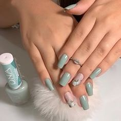 Nail styles or nail art is an extremely straightforward idea - patterns or art currently in use to beautify the finger or toe nails. They are utilized predominately to showcase an outfit or brighten an everyday look. Chic Nails, Stylish Nails, Trendy Nails, Toe Nails, Pink Nails, Nail Nail, Nail Polish, Nagellack Design, Pretty Nail Art