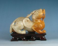 Old China Yu-Pixiu Chinese jade carved LUCKY dragon statue J203
