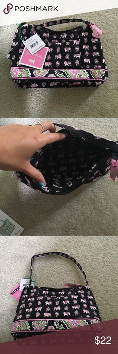 "NWT Vera Bradley Pink Elephants Purse NEW WITH TAGS VERA BRADLEY PINK ELEPHANTS MOLLY PURSE. Originally $44. Inside zipper pocket. Closes with a zipper. Outside pocket. About 10"" in length and 7"" in height. Comment offers. Cheaper on Ⓜ️ercari! Vera Bradley Bags Shoulder Bags"