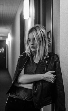 French model Camille Rowe makes a reappearance in rag & bone's D. The blonde beauty first starred in the project in where the New York-based… Love Fashion, Fashion News, Womens Fashion, French Models, Weekend Style, Rag And Bone, Looks Style, Mode Style, Style Icons