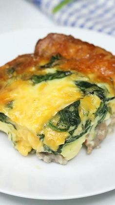 Sausage and Spinach Crustless Quiche is an easy low carb (keto) breakfast or brunch recipe loaded with sausage, cheese, and spinach. Low Carb Keto, Low Carb Recipes, Diet Recipes, Cooking Recipes, Recipes Dinner, Dinner Ideas, Keto Diet Meals, Keto Meals Easy, Best Keto Meals