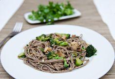 Asian Pasta With Tofu, Mushrooms and Broccoli