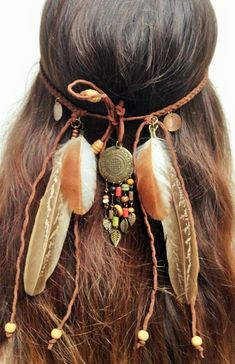 Hairband Indien avec Plumes Naturelles, Natural Feather Indian Hairband with Natural Feathers, Natur Hippie Chic, Hippie Style, Mode Hippie, Bohemian Style, Hairband, Diy Headband, Feather Jewelry, Hair Jewelry, Boho Winter