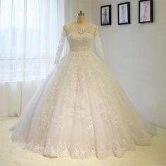 2017 New Puffy Lace Appliques Long Sleeve Wedding