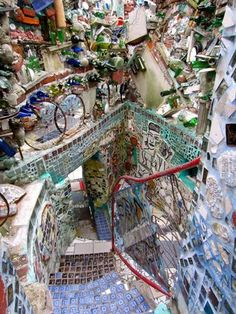 Philadelphia Magic Garden - so cool and interesting. Want to go here for a day/weekend trip to Philly!    Philadelphia's Magic Gardens 1020 South Street Philadelphia, PA  www.phillymagicgardens.org