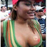 """@HogarDeLaPatria : Hugo Chávez: No puede haber Revolución sin la participación de las mujeres de la Patria""""#ChavezFeminista"""