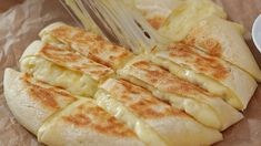 Biscuit Bread, Potato Bread, Cooking Bread, Bread Baking, Food To Make, How To Make Cheese, Making Cheese, Easy Diner, Honey Recipes