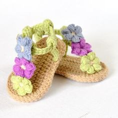 Puff Flower Baby Sandals crochet pattern by Matilda's Meadow