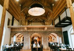 Werfen Sie einen Blick auf unser Projekt im Gasthaus Kulturwirt in Egglham. Restaurant, Track Lighting, Ceiling Lights, Home Decor, Fine Dining, Lighting, Projects, Decoration Home, Room Decor