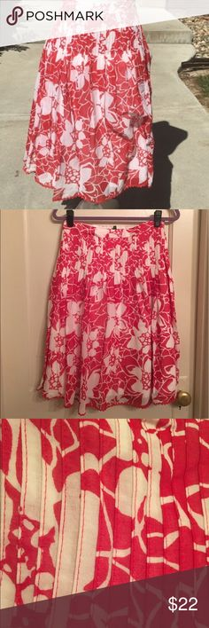 """Bernardo Red Floral Print Skirt Pretty red floral print skirt. Dress it up with heels or go casual with your """"fancy"""" flip flops! Bernardo Skirts A-Line or Full"""