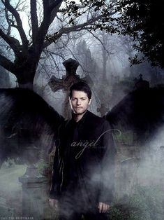 Misha Collins as Castiel - Supernatural. Supernatural Cosplay, Supernatural Fan Art, Supernatural Episodes, Winchester Supernatural, Sam And Dean Winchester, Winchester Brothers, Bobby Singer, Misha Collins, Sci Fi Fantasy