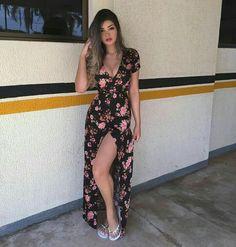 Parece o vestido que ainda vou roubar da minha mãe hahaha
