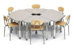 diamond-desk-by-smith-system