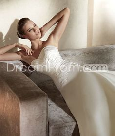 Brilliant A-line Sweetheart Floor-Length Appliques Watteau Wedding Dresses
