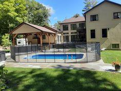Toute l'équipe 𝗘𝗻𝗳𝗮𝗻𝘁 𝗦𝗲́𝗰𝘂𝗿𝗲 tient à vous rappeler que nous demeurons à votre disposition afin de répondre à toutes vos questions et vous offrir nos services d'installation de clôture de piscine !✅ Voici d'ailleurs une magnifique réalisation qui a été faite cette semaine par Dannis Rathé, l'un de nos installateurs! ☎️ 1-800-635-3926 📧info@enfantsecure.com Removable Pool Fence, We Remain, Child Safety, Info, Afin, Fences, Voici, Swimming Pools, Mansions