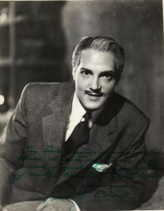 Roberto Cañedo Ramírez (n. Guadalajara, Jalisco ; 30 de marzo de 1918 - f. Ciudad de México, México; 16 de junio de 1998) fue un actor de la Época de Oro del Cine Mexicano.