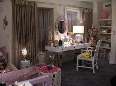 Hanna Marin's bedroom