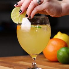 Citrus Tequila Sangria With Kaitlin Olson Citrus Tequila Sangria - Fresh Drinks Summer Drinks, Fun Drinks, Healthy Drinks, Alcoholic Drinks, Healthy Recipes, Beverages, Tequila Sangria, Tequilla Cocktails, Mojito