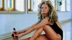 Farrah Fawcett at a Hollywood Event Candid Photo Nelly Furtado, Bionic Woman, Farrah Fawcett, Sexy Toes, Movie Photo, Celebrity Feet, People Around The World, Vintage Beauty, Beautiful Actresses