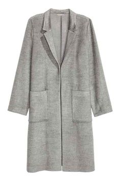 Knee-length coat in soft, felted fabric with narrow lapels, patch front pockets, slits in the sides and no buttons. Coats For Women, Jackets For Women, Clothes For Women, Ladies Jackets, Outerwear Women, Wool Blend, Fashion Online, Autumn Fashion, Lapels