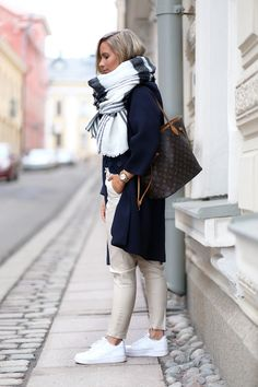 Winter outfit. Big scarfs and white sneakers