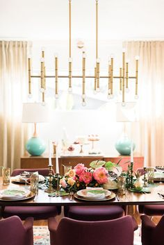 I've been dying to host a tropical inspired champagne and sweets brunch and I finally made it happen. See my tips for hosting brunch for your gal pals!
