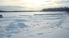 El clima es frío , con temperaturas medias inferiores a 0 grados centígrados, con fuertes vientos que arrastran nieve pulverizada.