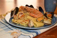 Calamarata frutti di mare, primo piatto La calamarata è un formato di pasta che si presta alla preparazione di ottimi primi piatti a base di frutti di mare.