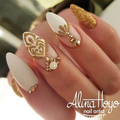 21 Trendiest Shellac Nails Designs You Will Be Obsessed With ★ Shellac Nails Designs with Rhinestones for a Classy Look Picture 3 ★ See more: http://glaminati.com/shellac-nails/ #shellacnails ##shellacnaildesings