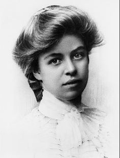 In 1899 Eleanor Roosevelt was dispatched by her grandmother to a finishing school in England, where all classes were conducted in French. For three years, she studied languages & literature & sojourned periodically on the Continent. During her time abroad, Eleanor blossomed. When she returned to the US, she was, like most affluent girls of her day, presented to society, but felt the life of a debutante to be too stifling. She involved herself teaching in the Rivington Street Settlement