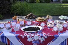 Ice Cream Sandwich Bar!  Fun neighborhood/family 4th of July or summer activity!