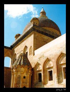 İshak Paşa Sarayı İç Avlu