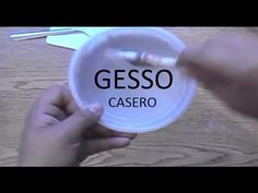 Tutorial: Gesso Casero FÁCIL Y ECÓNOMICO | Mundo@Party - YouTube Texture Paste, Acrylic Pouring Art, Pasta Flexible, Easy Diy Crafts, Clay Tutorials, Cold Porcelain, Bookbinding, Paint Designs, Diy Tutorial