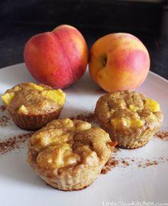 paleo peach cobbler muffins