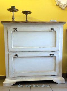 Cipősszekrény Old White színnel festve és antikolva.