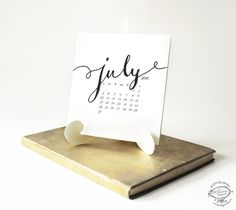 2016 & 2015 Printable Desk Calendar  Minimal Hand von SkyGoodies