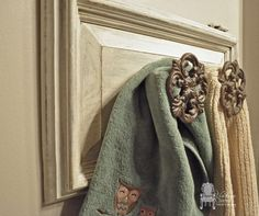 10 DIY Projects You Can Make With Old Cabinet Doors | Art desk ...