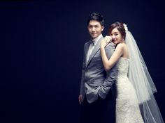 Weddingritz have 20 years of experience in Korea pre wedding Field that provide high quality customized photography package services to overseas customers with offering the lowest price pre wedding photoshoot packages. Korean Wedding Photography, Wedding Photography Checklist, Bridal Photography, Pre Wedding Photoshoot, Wedding Poses, Wedding Couples, Fotografia Social, Foto Wedding, Photo Couple