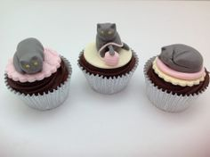 Kitty Cat Cupcakes by Fancy Fondant