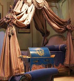 Re-issue of the bed for the bathroom of King Louis XVI at Compiegne, 1785, by Jean-Baptiste Boulard, Master in 1755 Manufacture Henryot