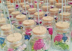 瓶の中にお花を入れてDIYするボトル席札スタンドの作り方 Table Decorations, Paper, Wedding, Food, Summer, Valentines Day Weddings, Summer Time, Essen, Meals