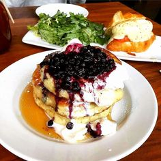 10 Best Brunch Spots in Toronto for Sweet Tooths: Mildred's Temple Kitchen. Hands down the BEST pancakes in Toronto! Best Breakfast, Toronto City, Toronto Travel, Toronto Canada, Best Restaurants In Toronto, Canadian Food, Brunch Spots, Food Places, Gourmet