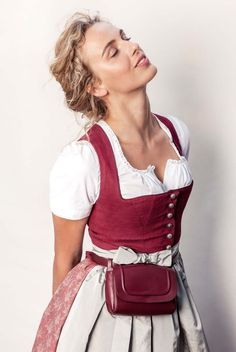 Dirndl von Clara Dorothea - Honeymoon - Black And White Animal Photography - DIY Jewelry Bracelets - Hairstyles Femme - DIY Home Decor Wood Oktoberfest Outfit, Drindl Dress, Traditional Dresses, Ideias Fashion, Fashion Beauty, Vintage Fashion, Stylish, Clothes, Bavaria