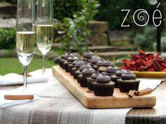 Domingo é dia de Picnic! Com direito a espumante e mini cupcakes de banana. #zoebakes #cupcakes #minicupcakes #banana #bananacupcakes #picnic #domingo