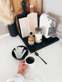 V60 Coffee, Bath Caddy, Coffee Maker, Kitchen Appliances, Collagen, Coffee Maker Machine, Cooking Ware, Coffee Percolator, Home Appliances