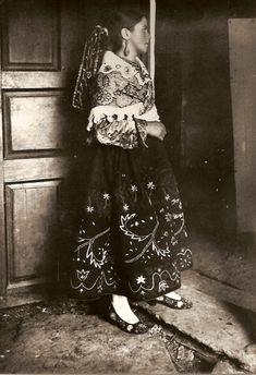Mujeres Vestidas De Carbajalina