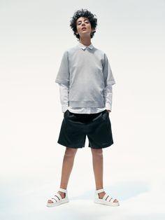 Original Shortsleeved Crew Neck and Jordan Shorts. Jordan Shorts, Peak Performance, Urban Fashion, Shell, Crew Neck, Normcore, Sweatshirts, Shopping, Trainers