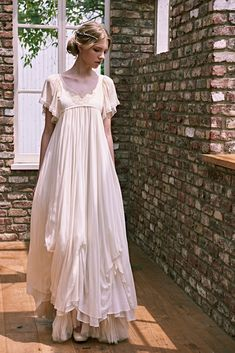 Girly Outfits, Pretty Outfits, Beautiful Outfits, Lovely Dresses, Flower Girl Dresses, Bridal Gowns, Wedding Gowns, Abaya Fashion, Fashion Dresses