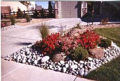 28 Beautiful Small Front Yard Garden Design Ideas Consider adding decorating rocks like this in our landscaping to save on mulch?